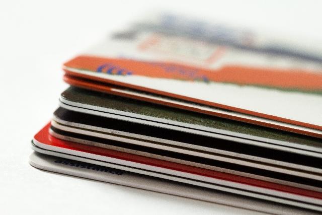 ミニマリストらしからぬ財布の中身?カードを断捨離してお財布シンプリシティー決行!