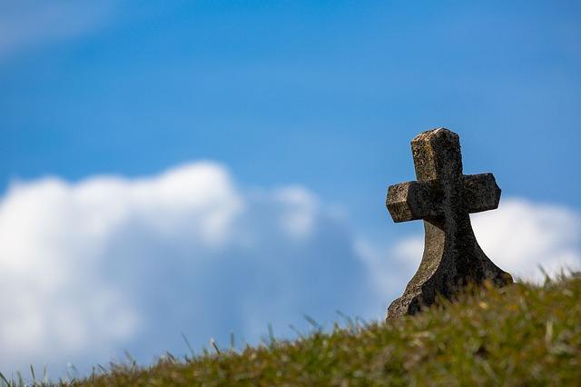 お墓まで断捨離?究極のミニマリストになるための「終活」とはどういうものなのか?