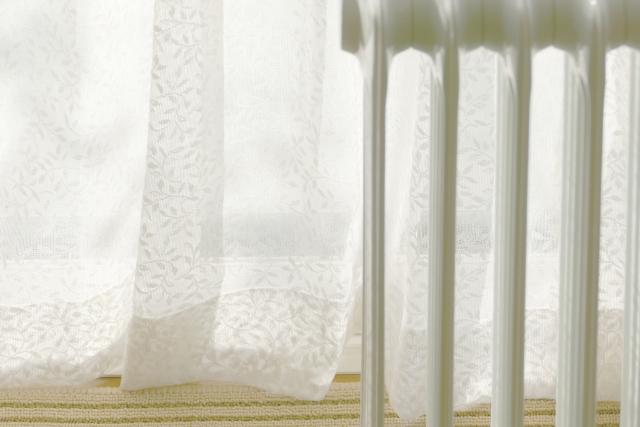 ミニマリストの秋のしつらえ、体の芯から温まるオイルヒーターの節電できるシンプルな使い方