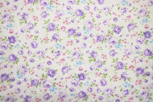 花柄の洋服を断捨離してシンプルライフ!おばさん体型になったら花柄洋服を着る女達