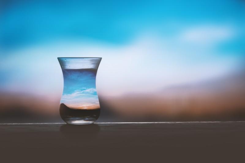 水を飲むと記憶力が回復する理由:水分と筋肉と脳の関係とは?